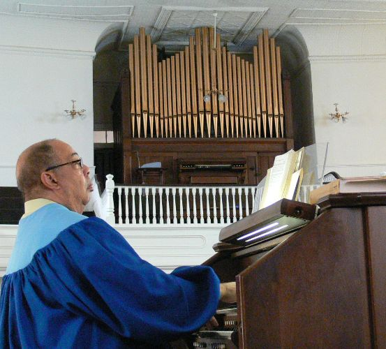 Old and new organs at Court Street Baptist Church